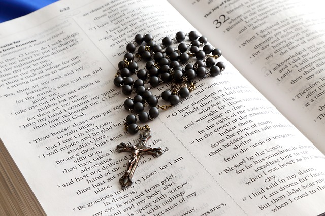 Bibel und Rosenkranz, Bible and Rosary