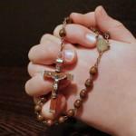 Rosenkranz beten